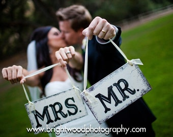 MR & MRS Signs, Wedding Chair Signs, Wedding Chair Hangers, Bride and Groom Signs, 9 x 5