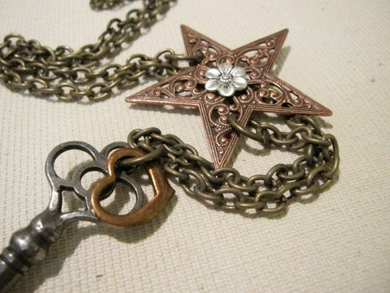 Reach for the Stars - Skeleton Key Necklace