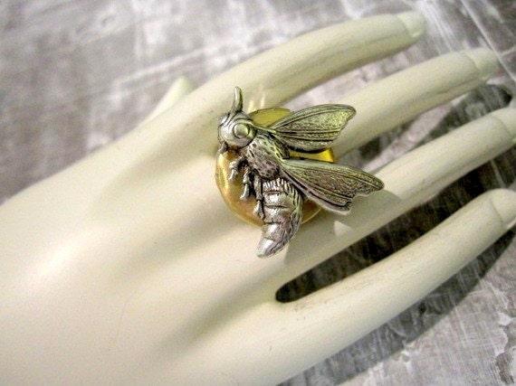 Steampunk Jewelry - Bee Locket Ring