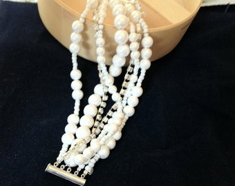 Pearl Wedding Bracelet , Bridesmaids Gifts,Pearl Wedding Bracelet,Pearl Bracelet,Ivory and White Pearls,Statement Bridal
