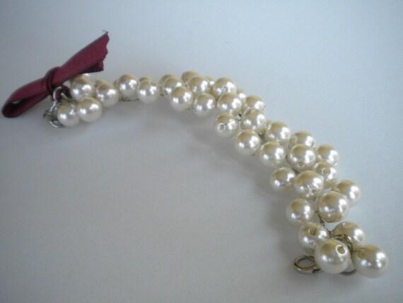 Handmade Weddings Pearl Bracelet,Beaded Bracelets,Bracelets Handmade,Charm Bracelets, ivory pearl bracelet, vintage style, ivory pearls