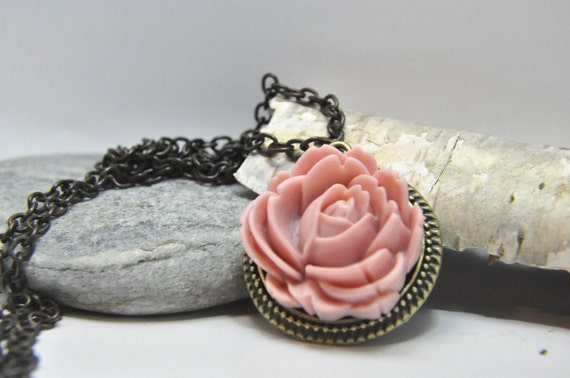 Coral Pink  Rose Cabochon Necklace