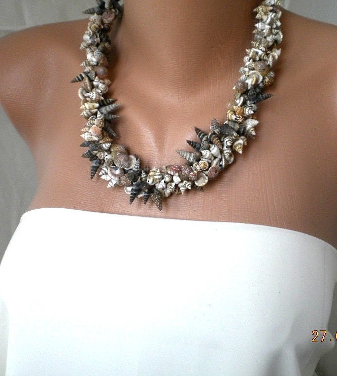 Make Your Own Seashell Jewelry: Handmade Sea Shell Necklace With Leather
