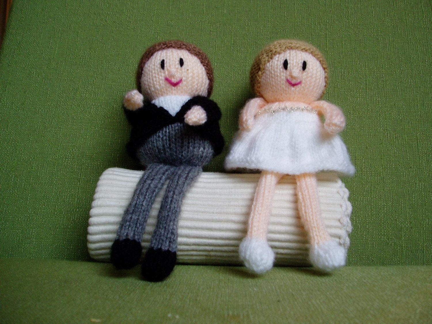 Knitting Cake Toppers : Custom made bride and groom wedding toppers