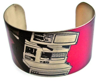 Vintage Camera cuff bracelet Free Shipping to USA  vintage style brass or aluminum Gifts for her