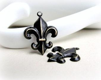 Distressed Black Fleur de Lis Charms