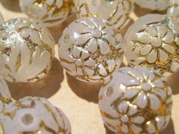 8 Vintage Lucite Carved Flower Gold on Clear Beads - 12mm