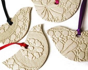 4 Ceramic Bird Christmas Ornaments Modern Classic Cream Pottery Christmas tree decorations Friends Teachers gift UK seller UK shop