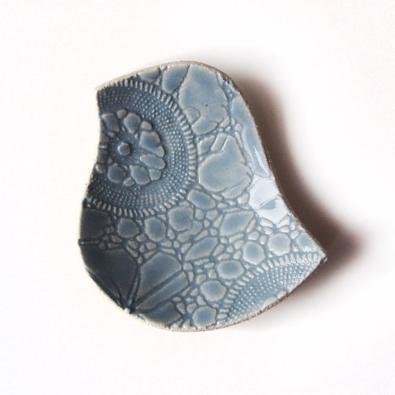 Lacy bird pottery bowl Wedgwood pale blue stoneware ceramic pottery with vintage crochet lace texture