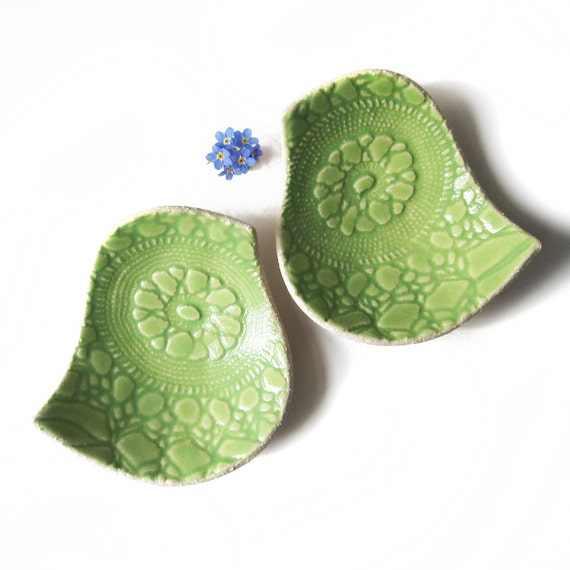 Bowls Birds of a feather Lime green & cream stoneware ceramic pottery Lace texture Spring decor Ring holder engagement gift idea UK shop