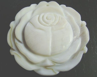 CLEARANCE !!! White Rose --  XXL Top Drilled