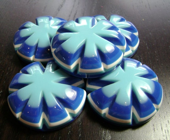 Bursting Blooms 2 Hole Beads in Blues ... 5ct.
