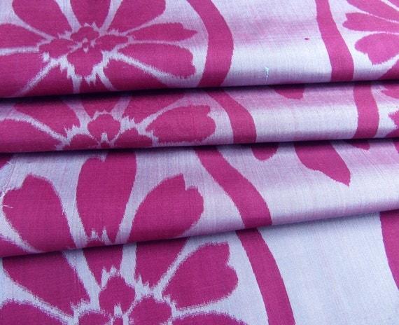 Japanese Kimono Fabric - Large Purple Blossoms on Lilac