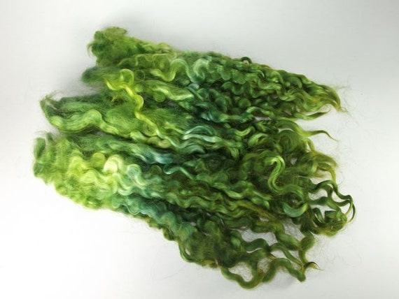 COTSWOLD Locks - Approx 6-7 inch Staple Length - Excellent for TAILSPINNING, Doll Hair, Weaving - GREEN - (approx. 1 oz)