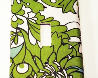 Light Switch Cover Wall Decor Switch Plate  Single Switchplate in Green with Envy  (261S)