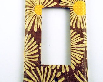 Light Switch Cover  Wall Plate  Cocoa Daisy  Switch Plate  Rocker GFCI (113R)
