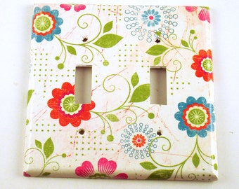 Double Light Switch Cover  Wall Decor Switchplate  Switch Plate in  Pretty Flowers  (166D)