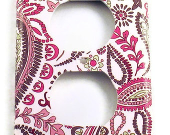 Wall Decor Light Switch Cover   Switchplate Cover   Outlet  in  Pink Paisley  (099O)