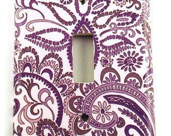 Light Switch Cover  Wall Decor  Switchplate  in Purple  Paisley  (098S)