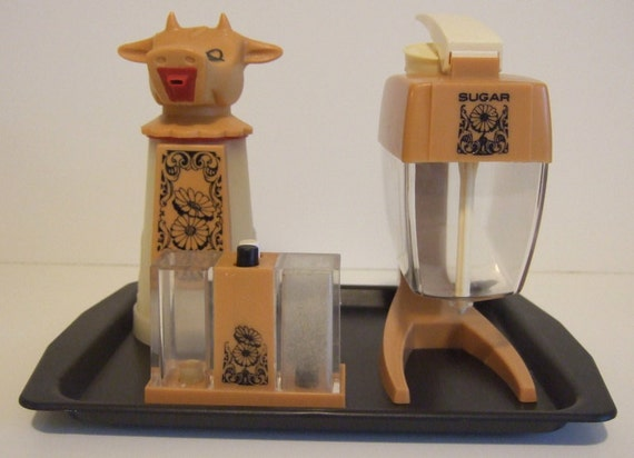 Complete Vintage Whirley Industries Diner Set