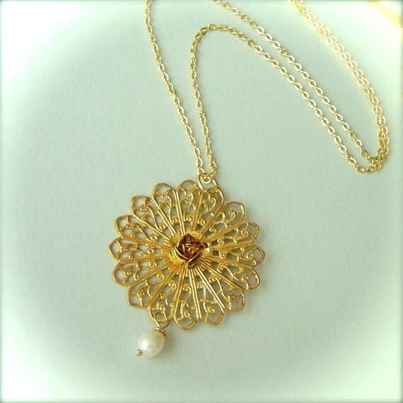 Elizabeth With Pearl Necklace Bridal Wedding Jewelry