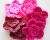 Pink crochet flowers, lot of crochet flowers in pink