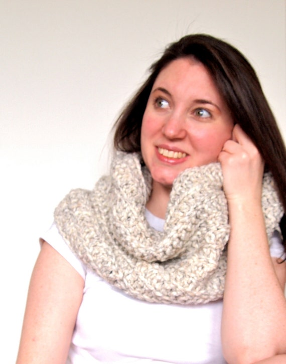 Crochet infinity scarf, chunky cowl, crochet scarf, fall fashion, winter accessories
