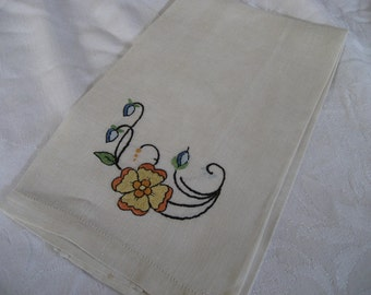 VINTAGE Cream White Linen Embroidered Flower Hand Towel