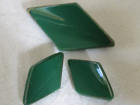 Set of 3 VINTAGE Green Glass Art Deco BUTTONS