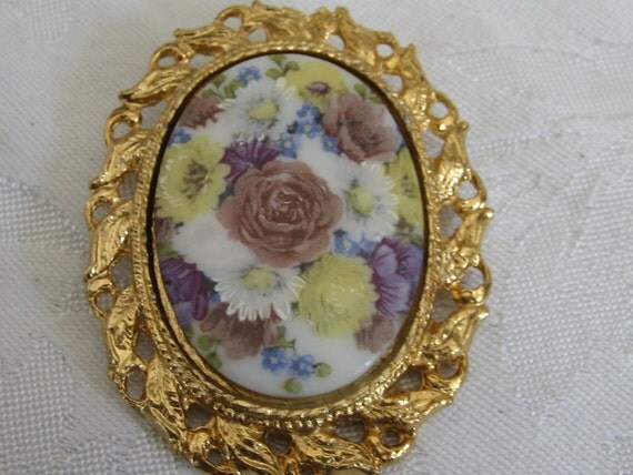 VINTAGE Glass Flower Metal Costume Jewelry Brooch and Pendant