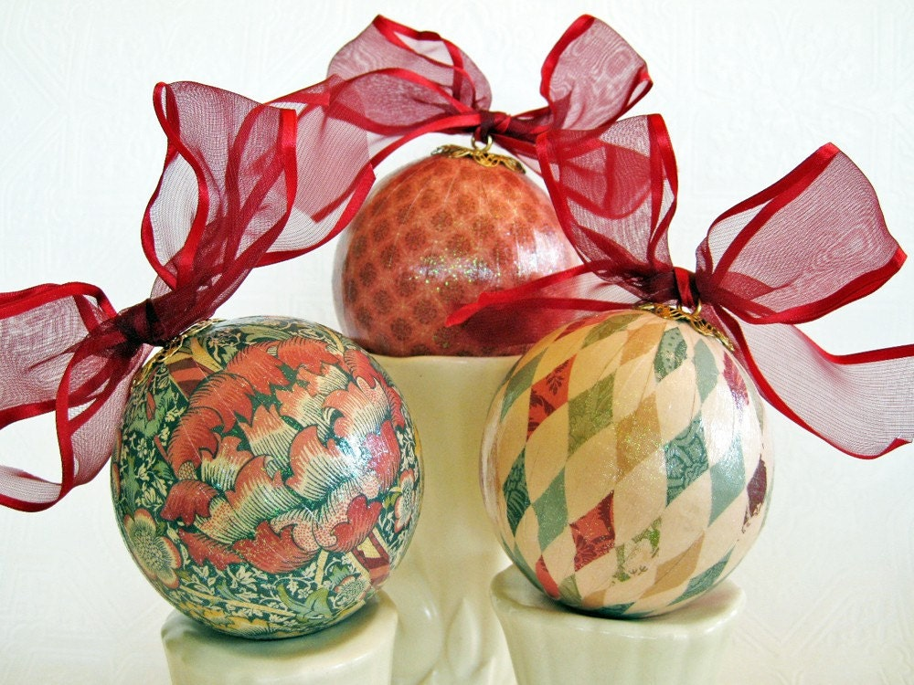 Victorian Christmas Decoupage Ornaments red cream teal gold