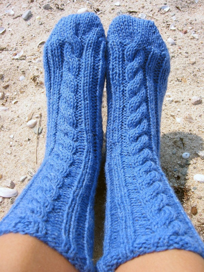 Knitting Patterns Bed Socks Easy : Mimis Bed Socks-a PDF sock knitting pattern