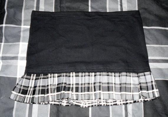 SALE // Pleated // Gray Plaid // Mini Skirt