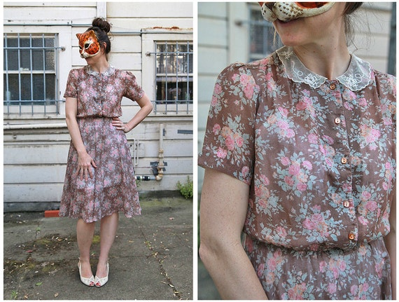 Vintage 80s Sheer Brown Floral Dress with Lace Peter Pan Collar with Scalloped Edges - sz S