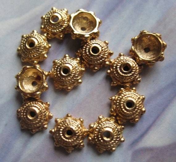 18 Vintage Bead Caps Bali Style 18k Gold Plated 8mm