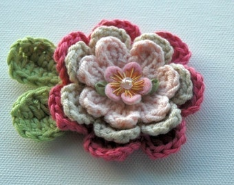 Crochet Flower Applique  in Pinks
