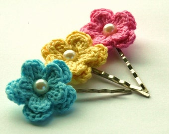 Crochet Flowers Bobby Pins in  Pale Blue, Lemon Yellow and Pink