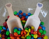 Candy Scoop - Wood Scoop with Heart for Candy Buffets or Favors - Item 1098