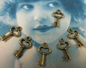 Tiny Antique Brass Heart Skeleton Keys Charms 944GOL x6