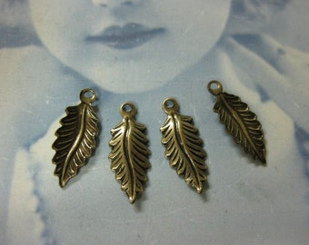 Brass Ox Plated Small Leaf Charms  775BOX x4