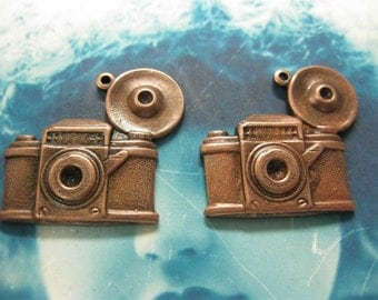 Antique Style Flash Bulb Camera Charms Copper Ox Plated 568COP x2