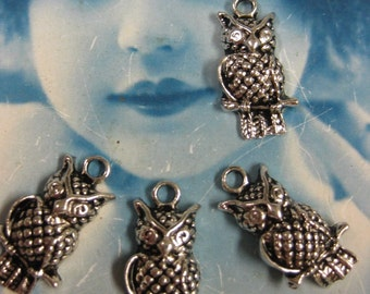Last Chance Clearance Silver Ox Wise Olde Owl on a Perch  Pendants 948SOX x4