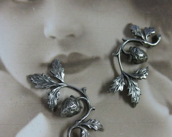 Silver Ox Plated Strawberry on a Vine Stampings 738SOX x2