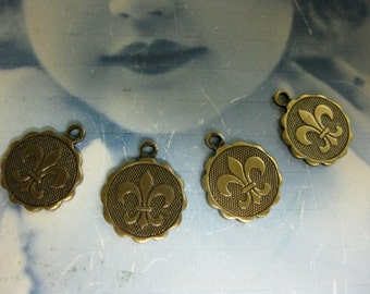 Brass Ox Plated Mini Fleur De Lis Charms 406BOX x4