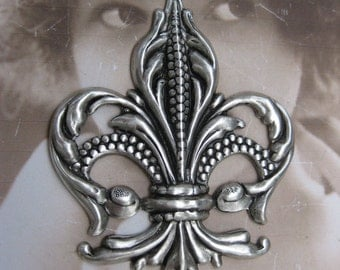 Fleur De Lis Stamping Silver Ox Plated Very Large 1052SOX  x1