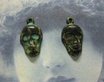 Verdigris Patina Skull head Charms 636VER x4