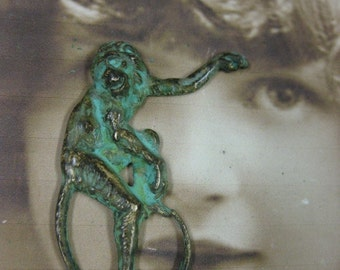 Verdigris Patina Long Tailed Monkey Stamping Charms 825VER x1