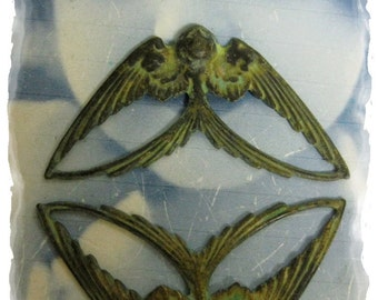 Verdigris Patina Bird in Flight Stamping Pendant 1037VER x2