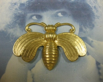 Raw Brass Large Queen Bee Stamping Pendant 845RAW x1