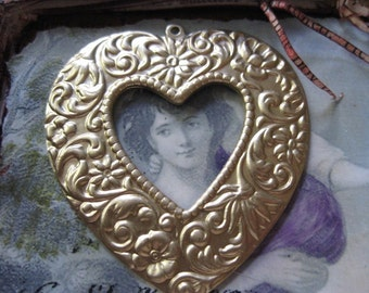 Large Beautifully Detailed Floral  Brass Heart Pendant 435RAW x1